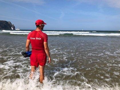 Cruz Roja Cantabria realiza más de 5.700 intervenciones en las playas este verano