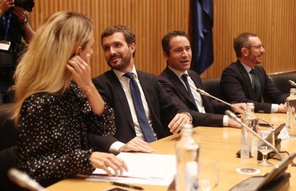 Casado reivindica el modelo de España Suma porque podría lograr la mayoría absoluta