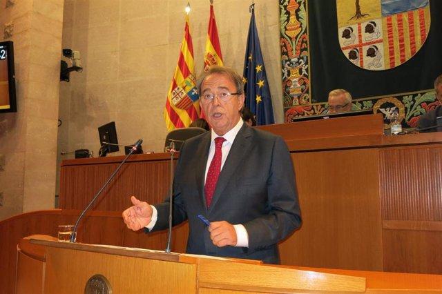 El consejero de Hacienda, Carlos Pérez Anadón