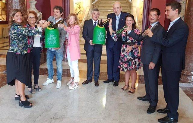 Presentación de la campaña para promover el reciclaje de  envases de vidrio en la hostelería de Bilbao.