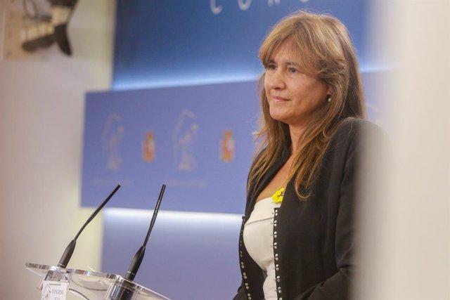 La portaveu de JxCat al Congrés, Laura Borràs, en roda de premsa després de la seva reunió amb el rei Felip VI en el segon dia de la ronda de consultes sobre el candidat a la presidència del Govern, Madrid (España), 17 de semptiembre del 2019.