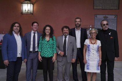 Pascual González y Cantores de Híspalis ofrecen un concierto gratuito de su obra 'Tierra' en la Plaza de España