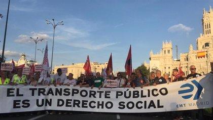 Cerca de 2.000 personas recorren de Cibeles a Sol para exigir más inversión que garantice transporte público de calidad