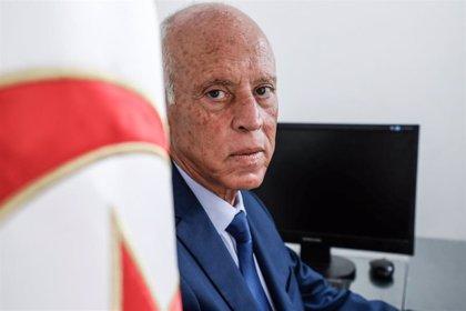 El partido islamista Ennahda respalda al independiente Saied de cara a la segunda vuelta de las presidenciales en Túnez