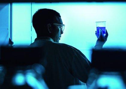 Diseñan nuevos fármacos antitumorales que se activan con luz