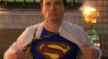 Tom Welling (Smallville) será el tercer Superman de Crisis en las Tierras Infinitas... y los fans enloquecen
