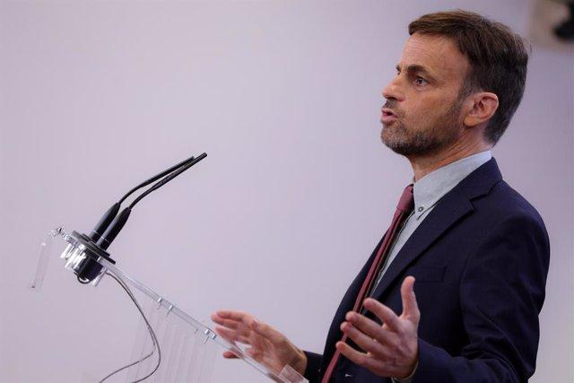 El portaveu d'En Comú Podem al Congrés, Jaume Asens, en roda de premsa després de la seva reunió amb el rei Felip VI en el segon dia de la ronda de consultes sobre el candidat a la presidència del Govern central, a 17 de semptiembre del 2019.