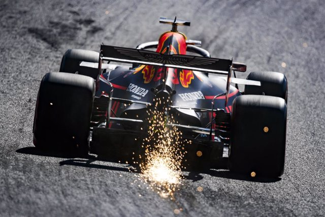 Fórmula 1/GP Singapur.- Verstappen empieza dominando con Sainz en séptima posici