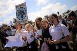 Milers d'estudiants es manifesten a Austràlia contra el canvi climàtic (REUTERS / STRINGER .)