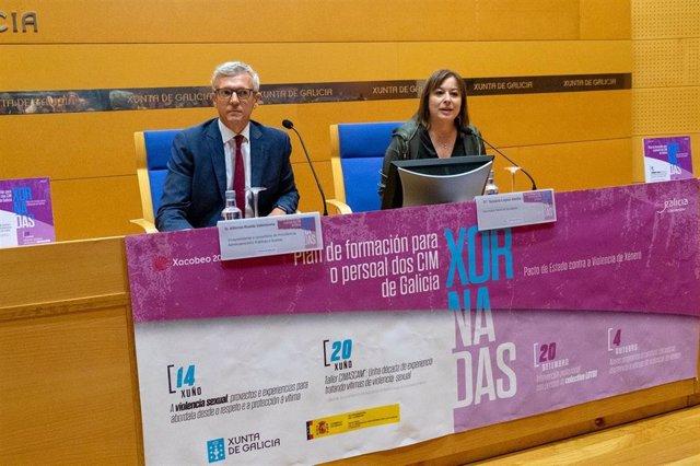 O vicepresidente da Xunta, Alfonso Rueda, e a secretaria xeral de Igualdade, Susana López Abella, na inauguración das xornadas de formación dos CIM
