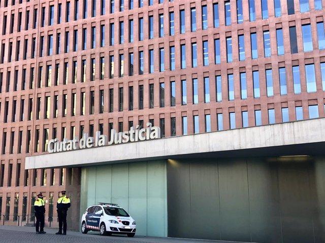 Dispositiu Toga de protecció dels jutjats dels Mossos d'Esquadra
