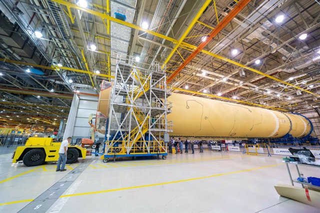 La NASA ensambla la etapa central del cohete más poderoso del mundo
