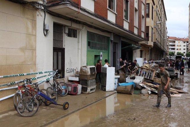 Una calle de Tafalla tras las graves inundaciones.