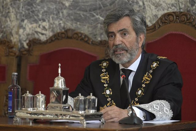 O presidente do Tribunal Supremo, Carlos Lesmes, preside a toma de posesión de José María Gómez e Díaz-Castroverde como novo presidente do Tribunal Superior de Xustiza de Galicia (TSXG), na súa sede na Coruña (España), a 20 de setembro de 2019.