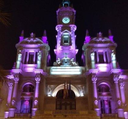"""El Ayuntamiento de València se suma a la 'Noche Violeta' por el derecho de las mujeres """"a vivir en plena libertad"""""""
