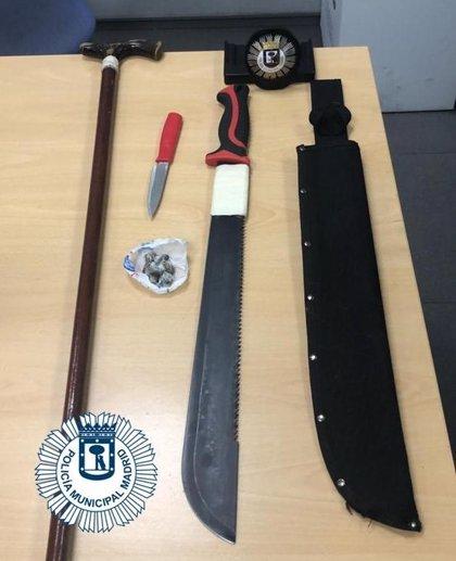 Detenido un menor con un machete y un cuchillo de cocina en las fiestas de La Elipa
