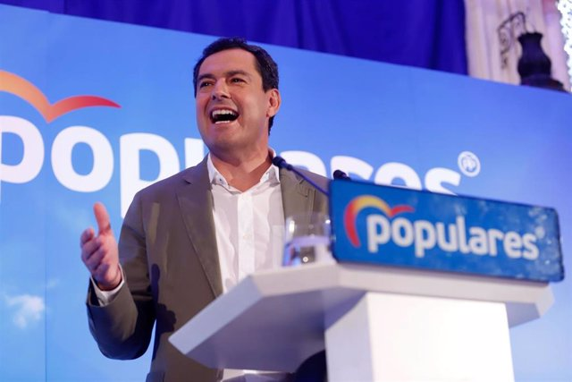 El presidente del PP Andaluz, Juanma Moreno Bonilla en un acto con los afiliados en  Alhaurín el Grande (Málaga)