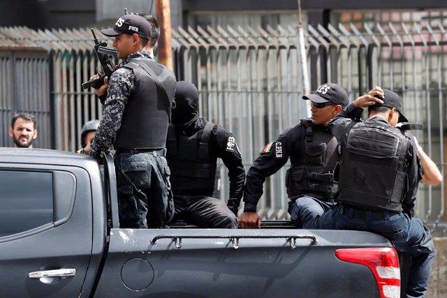 Miembros de las Fuerzas de Acciones Especiales (FAES) de la Policía de Venezuela