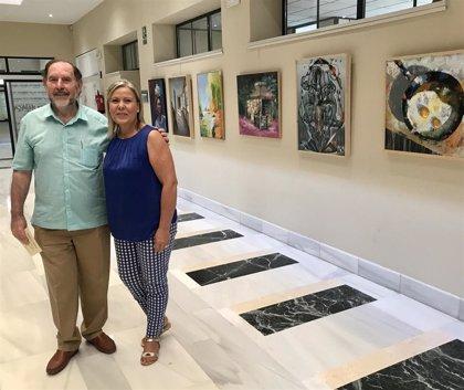 Artistas de toda España participan en el concurso de pintura Evaristo Guerra de Vélez-Málaga