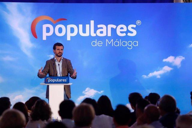 El presidente nacional del PP, Pablo Casado, en un acto con los afiliados en  Alhaurín el Grande (Málaga)