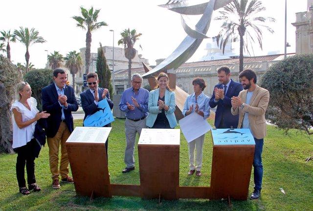 La presidenta del Port de Barcelona, Mercè Conesa, durant l'acte de lliurament del monument 'Homenatge al Patí de Vela'.