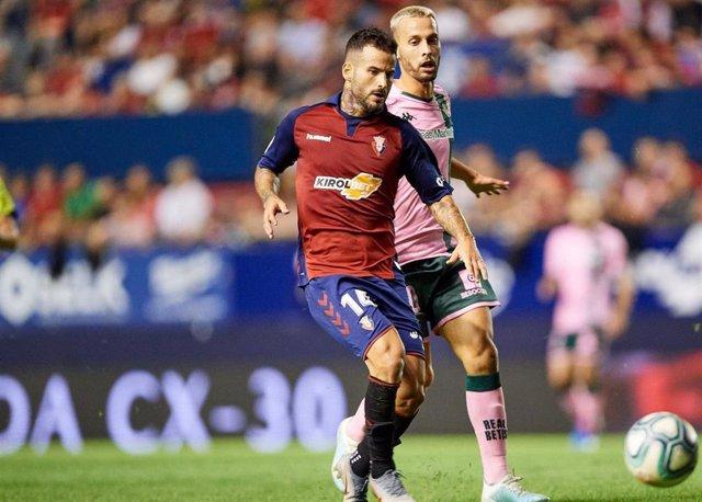 Rubén García, en un partido con el CA Osasuna.