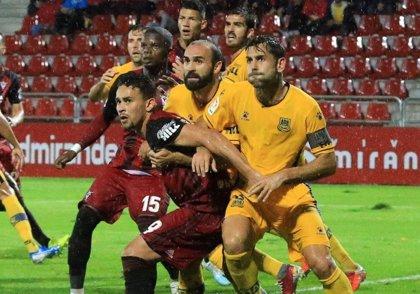 Rui Costa salva un empate para el Alcorcón en Anduva
