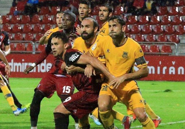 Fútbol/Segunda.- Rui Costa salva un empate para el Alcorcón en Anduva