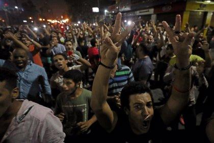 Cientos de personas salen a la calle en Egipto para exigir la dimisión de Al Sisi