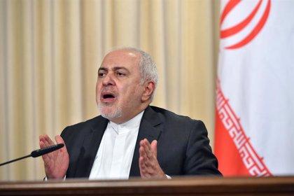 """Irán.- Zarif denuncia que las últimas sanciones de EEUU bloquean el acceso de Irán a """"comida y medicinas"""""""