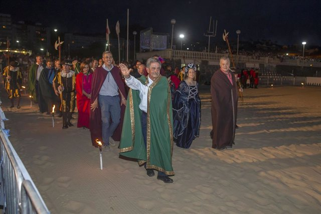 Revilla y Zuloaga participan en la recreación del Último Desembarco de Carlos V