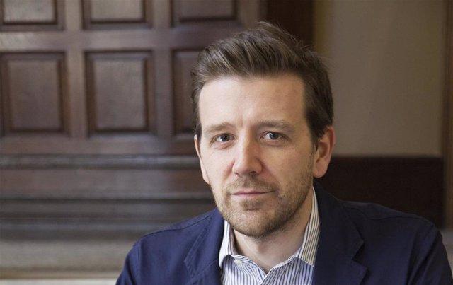 El británico Alex Beard es autor del libro 'Otra forma de aprender'