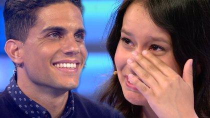 Marc Bartra cumple el sueño de una fan que perdió repentinamente a su madre
