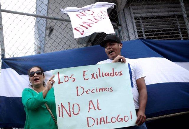 Nicaragüenses refugiados en Costa Rica en una protesta contra Daniel Ortega
