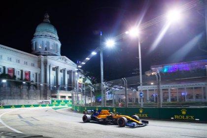 AMP.- Fórmula 1/GP Singapur.- Leclerc y Ferrari sorprenden con la 'pole' y Sainz saldrá séptimo en Marina Bay