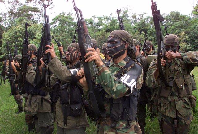 Efectivos del grupo paramilitar Autodefensas  Unidas de Colombia (AUC)