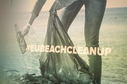 """La Comisión Europea limpia las Cíes para reivindicar, con una acción """"micro"""", la concienciación ambiental """"masiva"""""""
