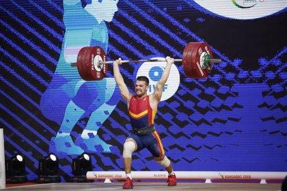David Sánchez, undécimo en -73 kilos durante el Mundial de halterofilia