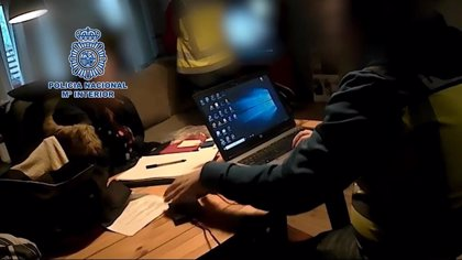 Detenido en Sevilla un presunto líder e instructor de pedófilos extranjeros en foros de Internet