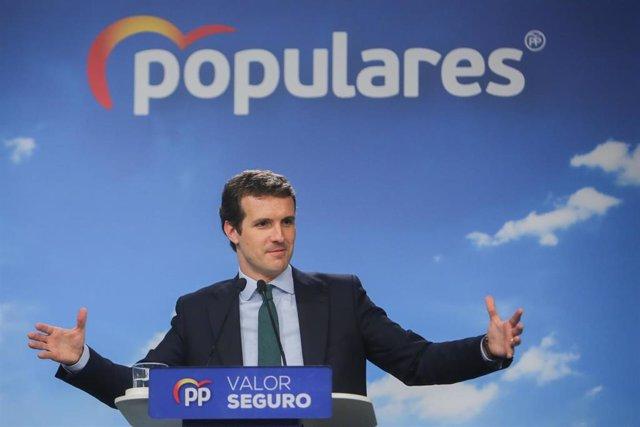El presidente del Partido Popular, Pablo Casado, ofrece declaraciones a los medios de comunicación tras la reunión del Comité Ejecutivo del Partido Popular convocada después del fracaso electoral de la formación política.