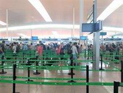Iberia xifra en un 7,09% el seguiment de la vaga a l'Aeroport de Barcelona aquest diumenge (EUROPA PRESS)