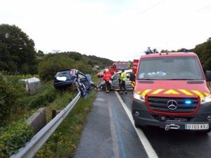 Un fallecido y tres heridos en un accidente en la N-121-A