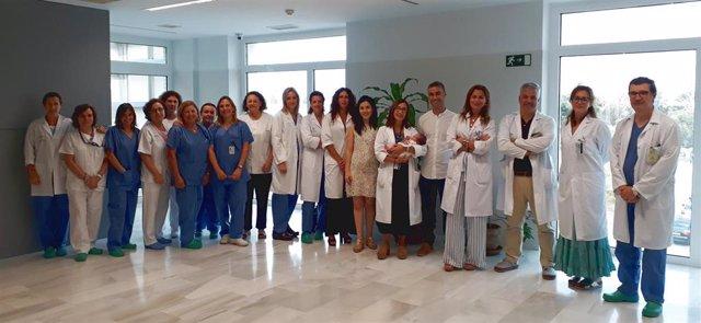 La Unidad de Reproducción Humana Asistida con Álvaro, el primer bebé concebido en el Valme a través de Fertilización in Vitro (FIV)