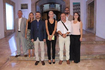 Los principales representantes de Cs asisten a la inauguración de La Nit de l'Art