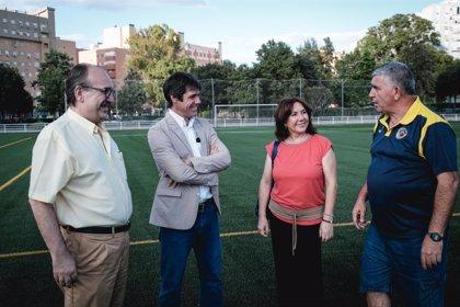 Ayuntamiento de Sevilla culmina el campo de césped artificial del C.D. Huerta del Perejil, del Distrito Norte