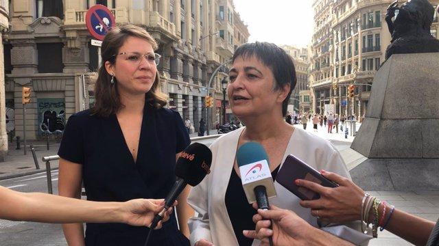 Les regidores Janet Sanz i Rosa Alarcón