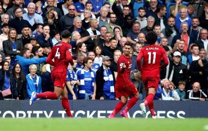 El Liverpool sujeta a Stamford Bridge y continúa líder impoluto