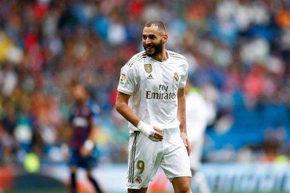 Benzema iguala a Gerard Moreno con cinco goles en el Pichichi