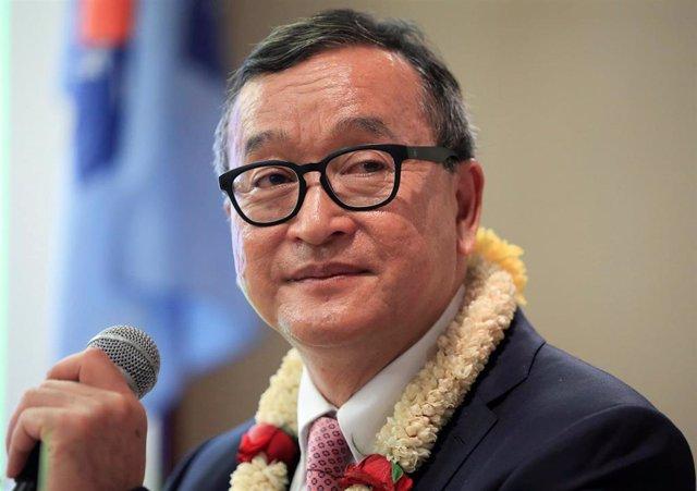 El líder opositor camboyano Sam Rainsy, en un acto en Filipinas