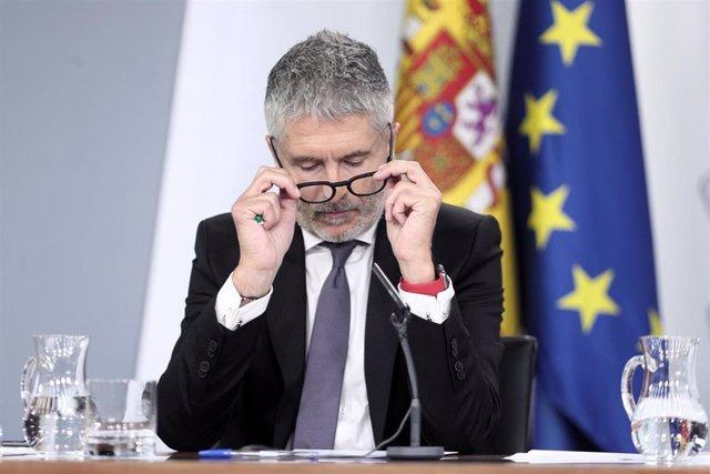 El ministro del Interior en funciones, Fernando Grande-Marlaska, comparece en rueda de prensa tras el primer Consejo de Ministros celebrado en Moncloa tras la confirmación de la repetición el electoral el próximo 10N, en Madrid (España), a 20 de septiembr